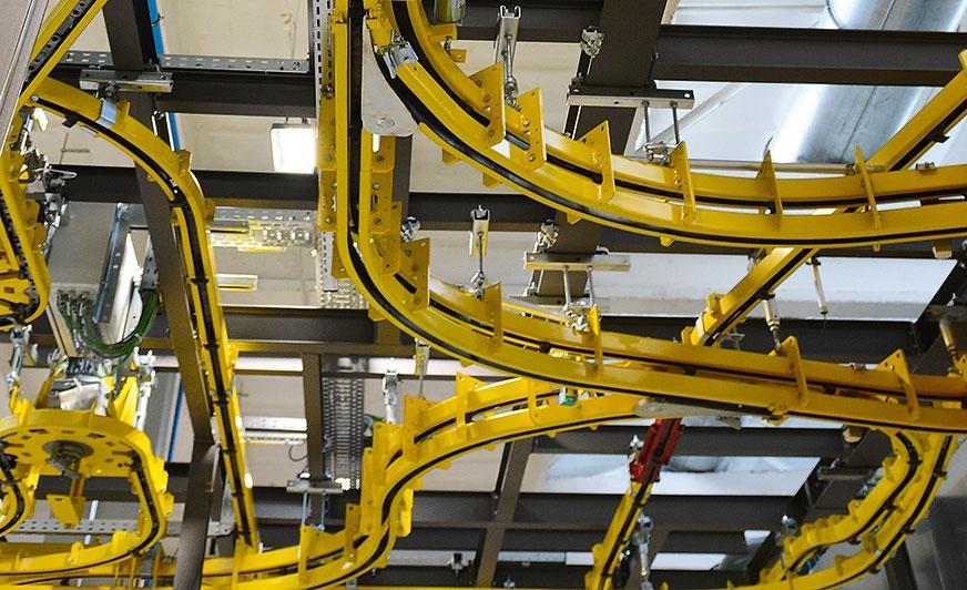 Opracowanie specjalnych systemów transportowych zostało poprzedzone dokładną analizą wymagań technicznych na miejscu.