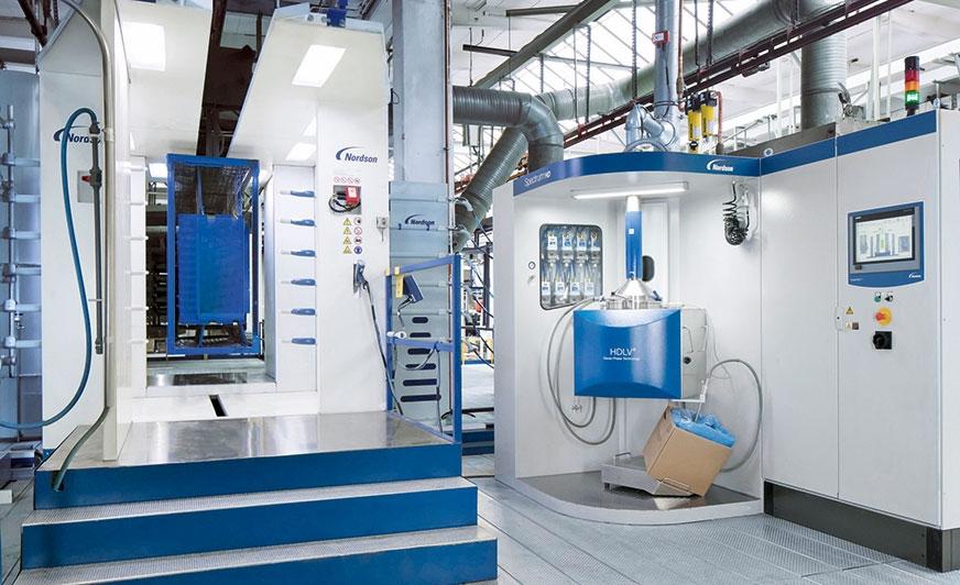 Nowa kabina z systemem szybkiej zmiany koloru umożliwiła firmie Oberflächentechnik Löningen zwiększenie jakości powlekania oraz zredukowanie czasu zmiany koloru z 2 i pół godziny do 10 minut.