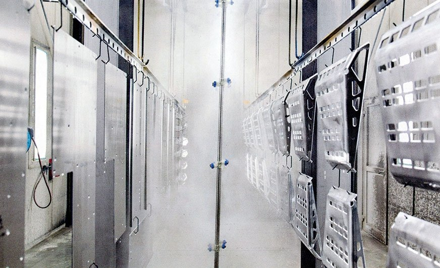Chemiczna obróbka wstępna została zautomatyzowana, a urządzenia peryferyjne rozbudowane.