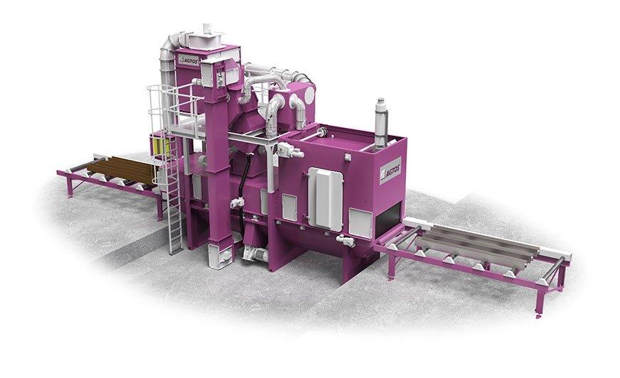 Śrutownica z przenośnikiem rolkowym RT 15 firmy AGTOS do obróbki profili stalowych i blach.