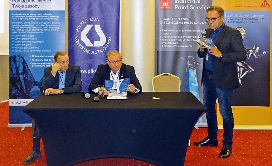 Czwarta edycja Konferencji Technicznej Polskiej Izby Konstrukcji Stalowych poświęcona była zabezpieczeniom przeciwpożarowym konstrukcji stalowych.