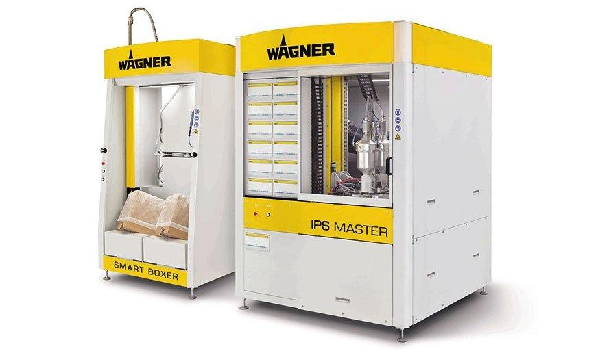 Centrum powlekania IPS integruje podstawowe funkcje: Smart Boxer do automatycznego podawania świeżego proszku (po lewej) i IPS Master (po prawej) do przygotowania, dostarczania i dozowania farby proszkowej. Do tego dochodzi sterowanie systemem IPS