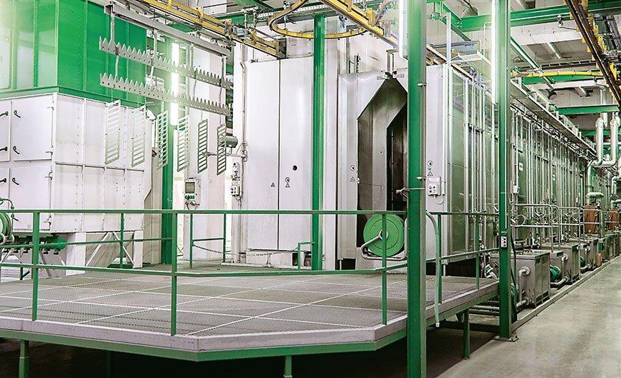 Rys. 1. Połączenie innowacyjnych procesów przygotowania powierzchni i w dużej mierze zautomatyzowanej pracy linii przygotowania powierzchni oferuje ogromny potencjał w zakresie ochrony zasobów.