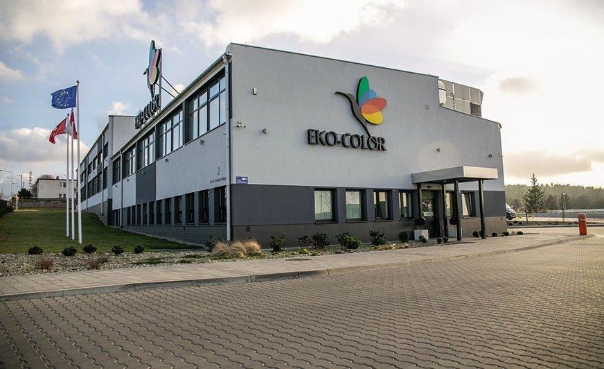 Siedziba firmy Eko-Color w Bytowie z nowoczesną fabryką farb proszkowych.