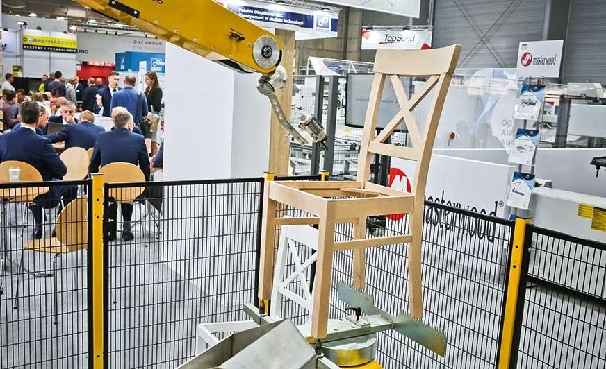 Śmiałe kroki w kierunku robotyzacji, także procesów lakierowania, wydają się niezbędne do zoptymalizowania polityki kosztowej i realizacji zleceń przy spadku zatrudnienia.