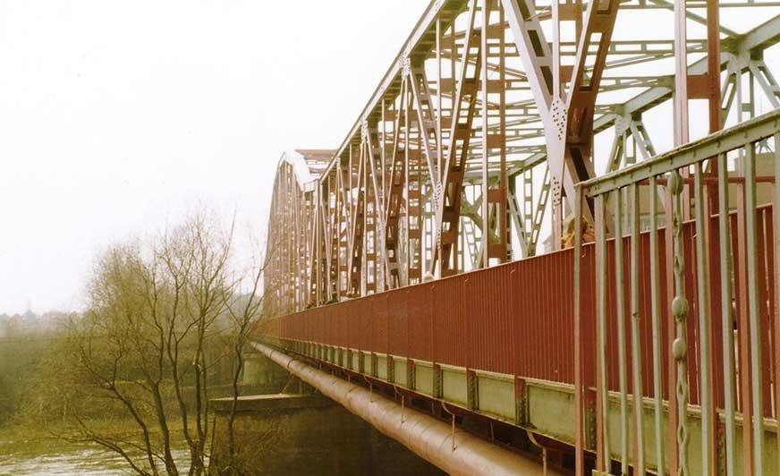 Fot. 1. Most przez Odrę w Głogowie.