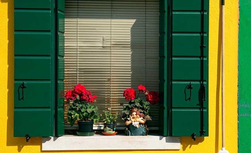 Aby odmienić oblicze domu, nie trzeba wydawać kilku tysięcy na remont. Wystarczą cztery proste triki. Źródło: Dulux