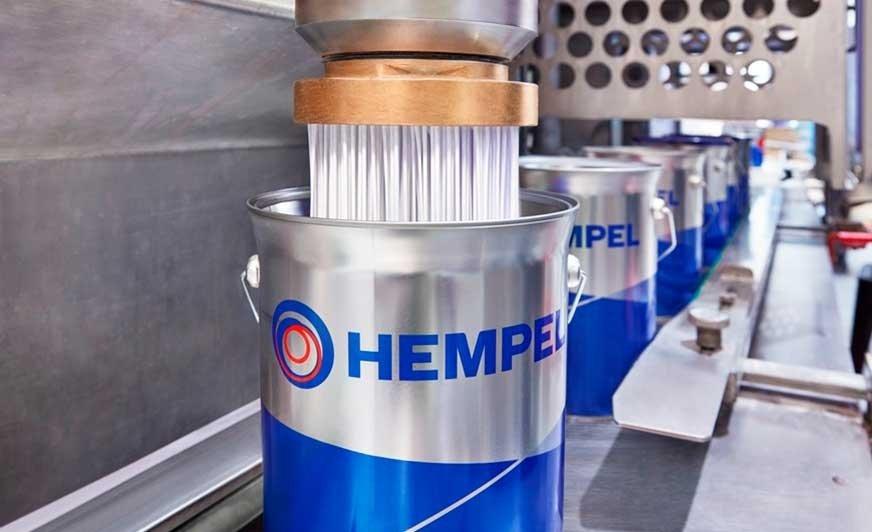 Nowa powłoka ogniochronna Hempafire Pro 400 firmy Hempel zapewnia 90 minut pasywnej ochrony przeciwpożarowej w warunkach pożaru celulozowego. Źródło Hempel