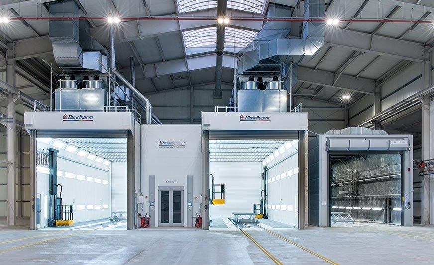 W oddanej do użytku w 2020 r. nowej hali produkcyjnej firmy Bodex znalazły się dwie przemysłowe kabiny lakiernicze z komorą do strumieniowej obróbki ściernej.